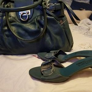 Match purse and shoes